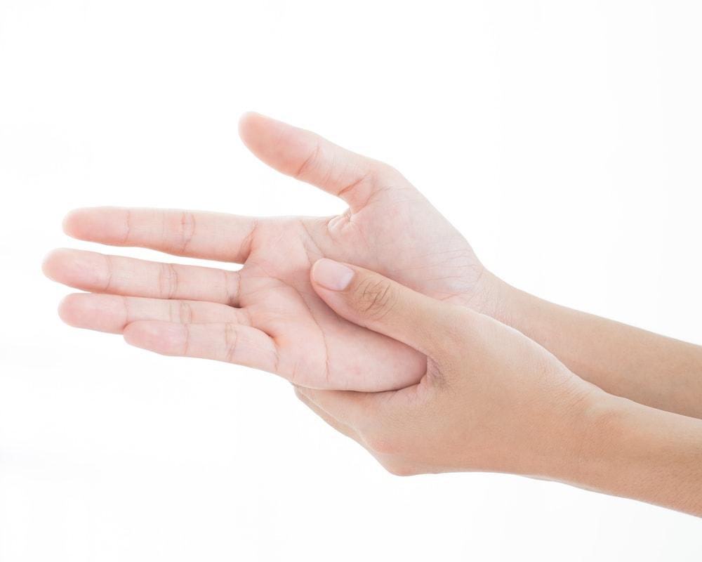 Hand mit Rheuma