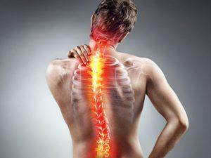 Mann mit Osteochondrose