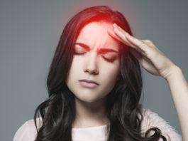 Frau mit nozizeptiven Schmerzen